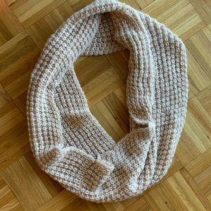 Chunky knit circle scarf